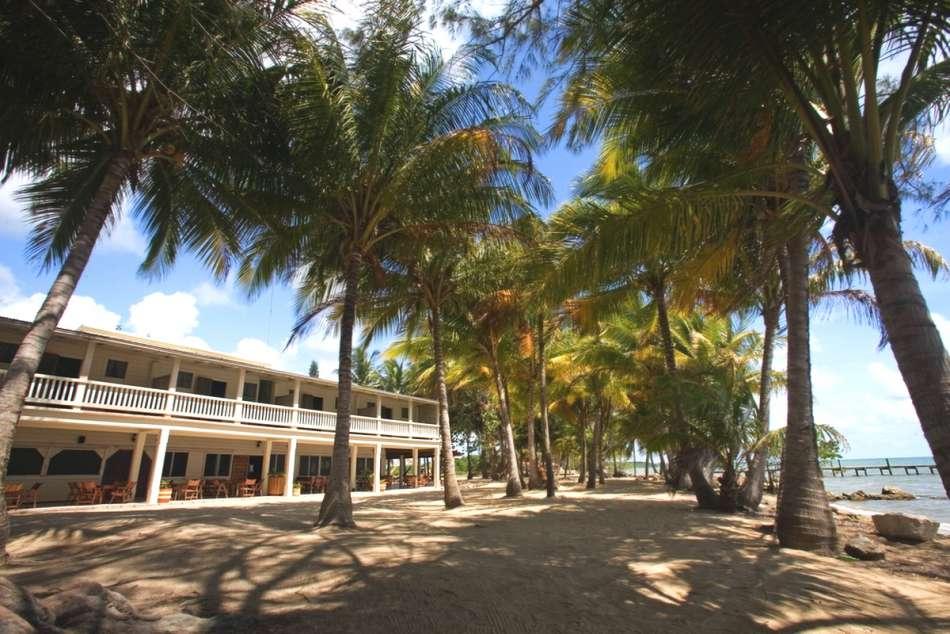 Pelican Beach Resort  | Resort am Strand | © Darah Travel