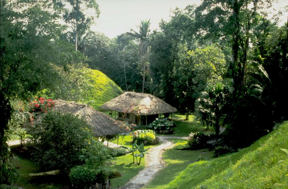 Chan Chich Lodge | Cabanas zwischen Maya-Pyramiden | © Karibik Inside