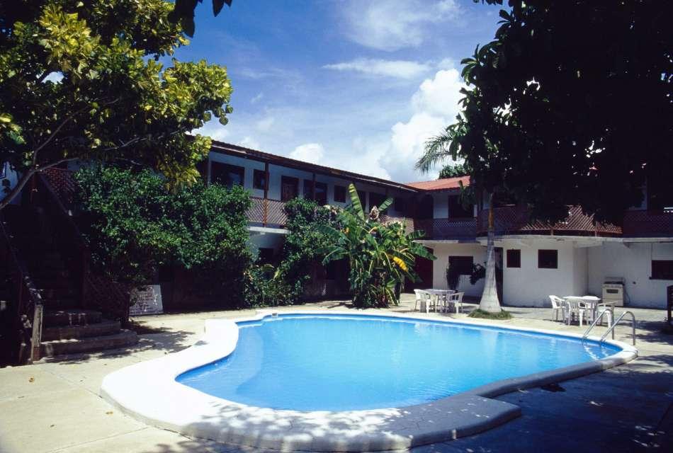 Aguada Hotel | Pool | © Karibik Inside