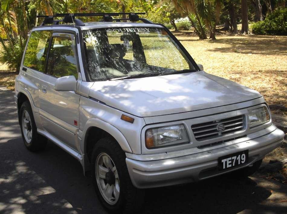Mietwagen Dominica | Suzuki Escudo | © Courtesy Rental