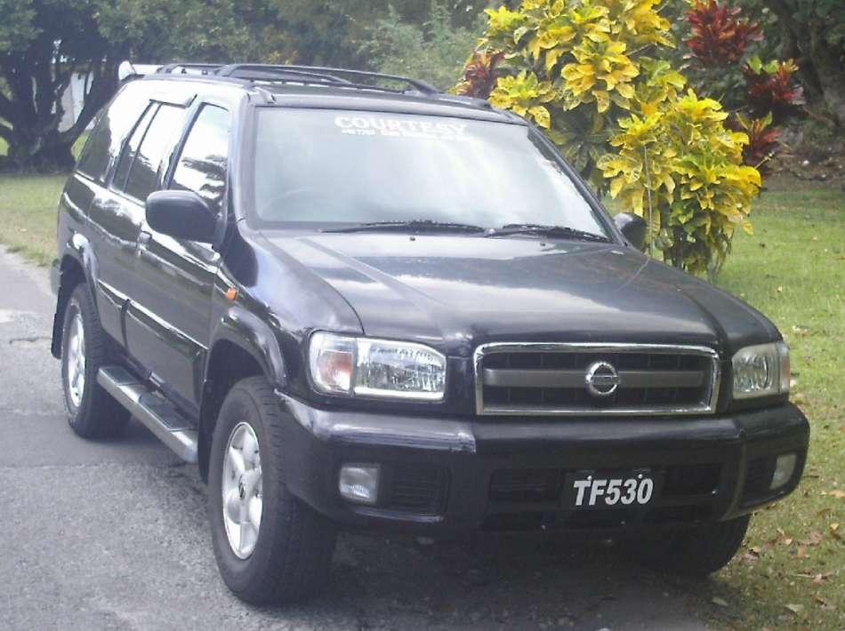 Mietwagen Dominica   Nissan Pathfinder   © Courtesy Rental
