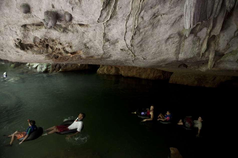 Cave Tubing | Fahrt zum Ausgang der River Cave | © Caves Branch Adventure Company & Jungle Lodge