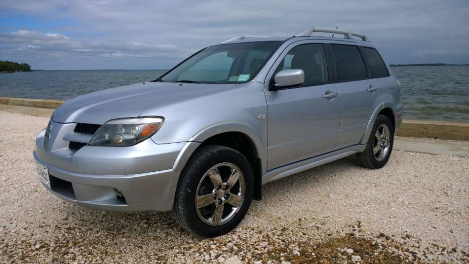 Mietwagen Belize | Mitsubishi Outlander | © AQ Belize Auto Rentals 4 Less
