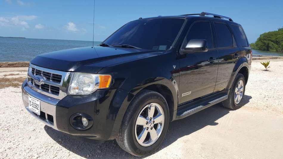Mietwagen Belize | Ford Escape | © AQ Belize Auto Rentals 4 Less