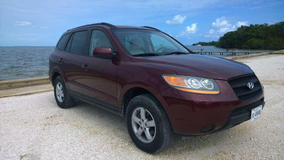 Mietwagen Belize | Hyundai Santa Fe | © AQ Belize Auto Rentals 4 Less