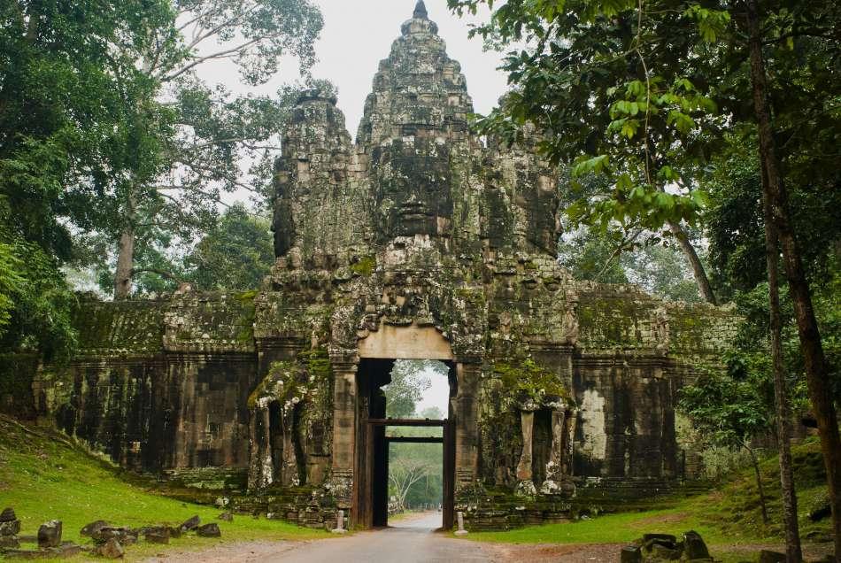 """MV """"Aqua Mekong""""   Ankor Wat   © Aqua Expeditions"""