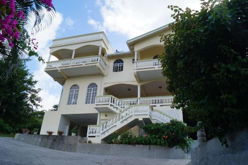 Zamaca | Frontansicht des Guesthouse | © Karibik Inside